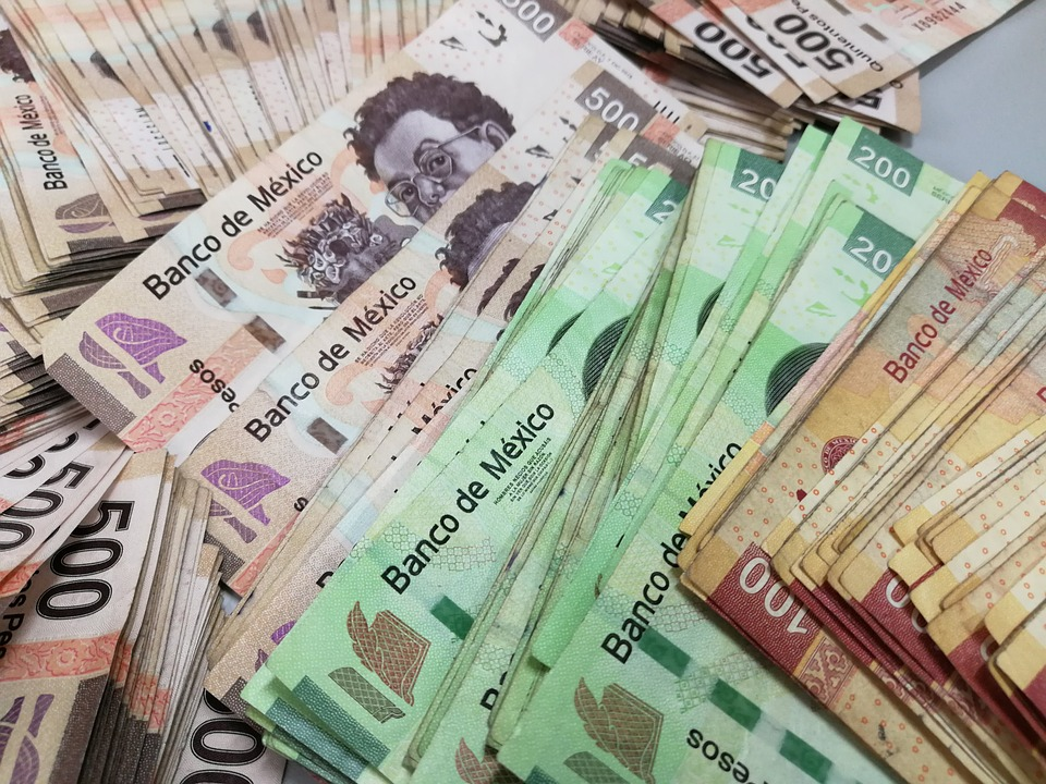 Mexican cash of various denominations
